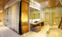 En-Suite Bathroom with Bathtub - One Eleven - Seminyak, Bali