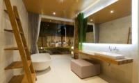 Bathroom with Bathtub - One Eleven - Seminyak, Bali
