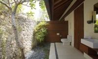 Open Plan Bathroom - Opera Villa - Nusa Lembongan, Bali