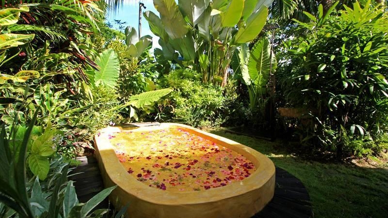 Outdoor Bathtub - Own Villa - Umalas, Bali