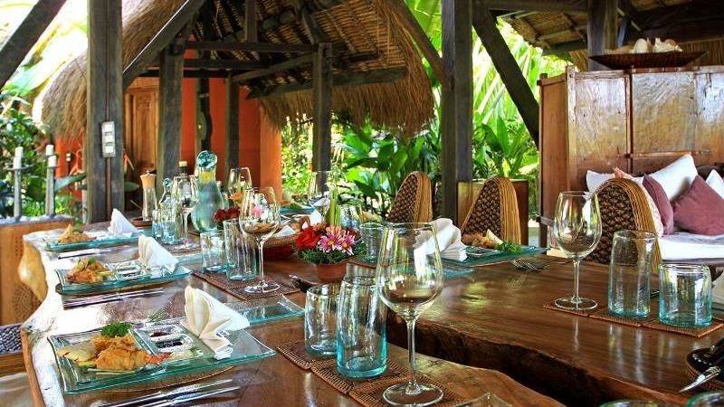 Dining Table with Crockery - Own Villa - Umalas, Bali