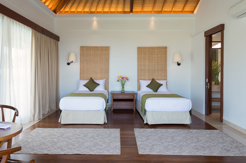 Twin Bedroom with Wooden Floor - Pandawa Cliff Estate Villa Marie - Ungasan, Bali