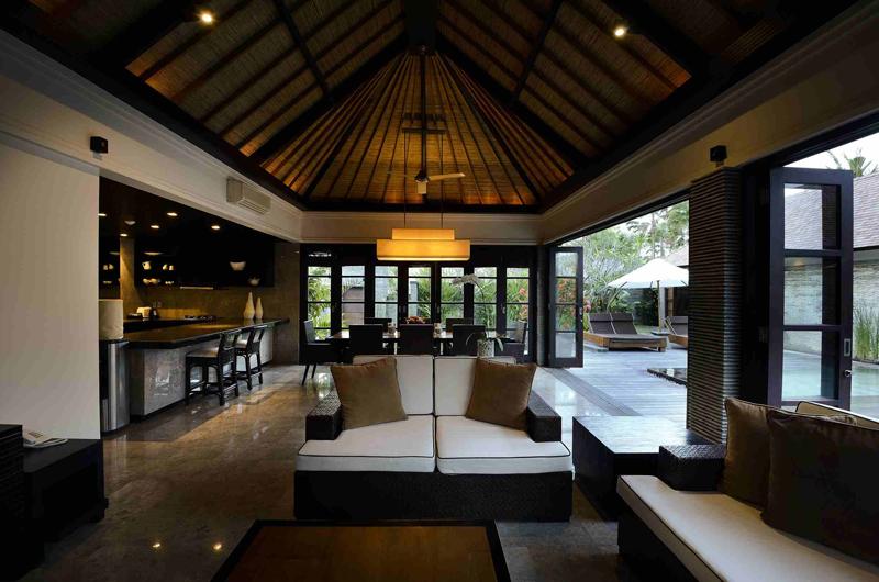 Living and Dining Area - Peppers Seminyak - Seminyak, Bali
