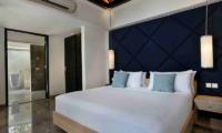 Bedroom with Lamps - Peppers Seminyak - Seminyak, Bali