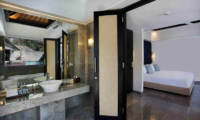 Bedroom with En-Suite Bathroom - Peppers Seminyak - Seminyak, Bali