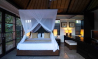 Four Poster Bed with Dressing Area - Peppers Seminyak - Seminyak, Bali