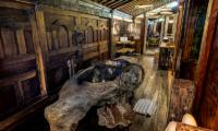 En-Suite Bathroom with Bathtub - Permata Ayung Biora House - Ubud, Bali