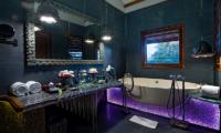 Bathroom with Bathtub - Permata Ayung Garuda Wing Room - Ubud, Bali