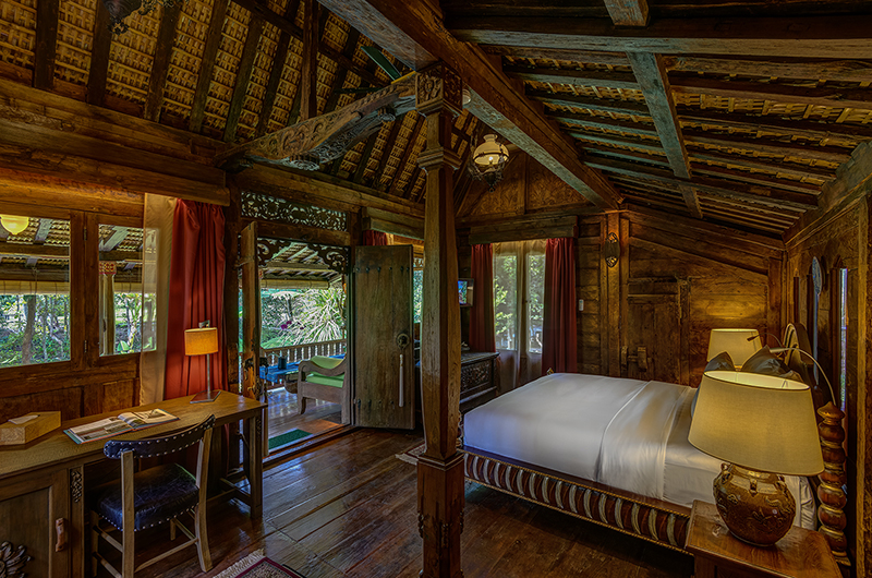 Bedroom with Wooden Floor - Permata Ayung Gladak House - Ubud, Bali