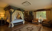 Bedroom with Seating Area - Permata Ayung Royal Winongpati - Ubud, Bali