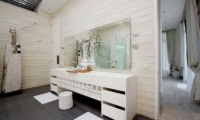 Bathroom with Mirror - Pure Villa Bali - Canggu, Bali