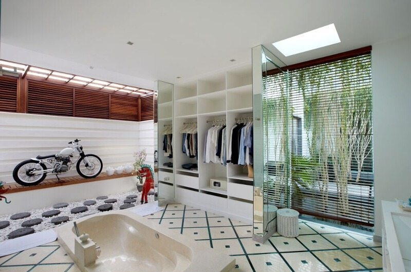 En-Suite Bathroom with Wardrobe - Pure Villa Bali - Canggu, Bali