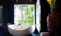 Romantic Bathtub Set Up - Puri Nirwana - Gianyar, Bali