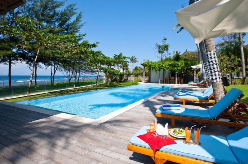 Pool Side Loungers - Puri Nirwana - Gianyar, Bali