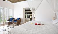 Bedroom with Seating Area - Puri Nirwana - Gianyar, Bali