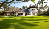 Lawns at Day Time - Puri Nirwana - Gianyar, Bali