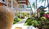 Way to Lounge Area - Puri Nirwana - Gianyar, Bali