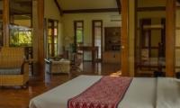 Bedroom with Seating Area - Rumah Bali - Seminyak, Bali