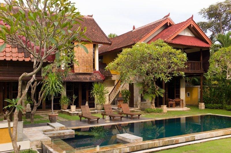 Sun Loungers - Rumah Bali - Seminyak, Bali