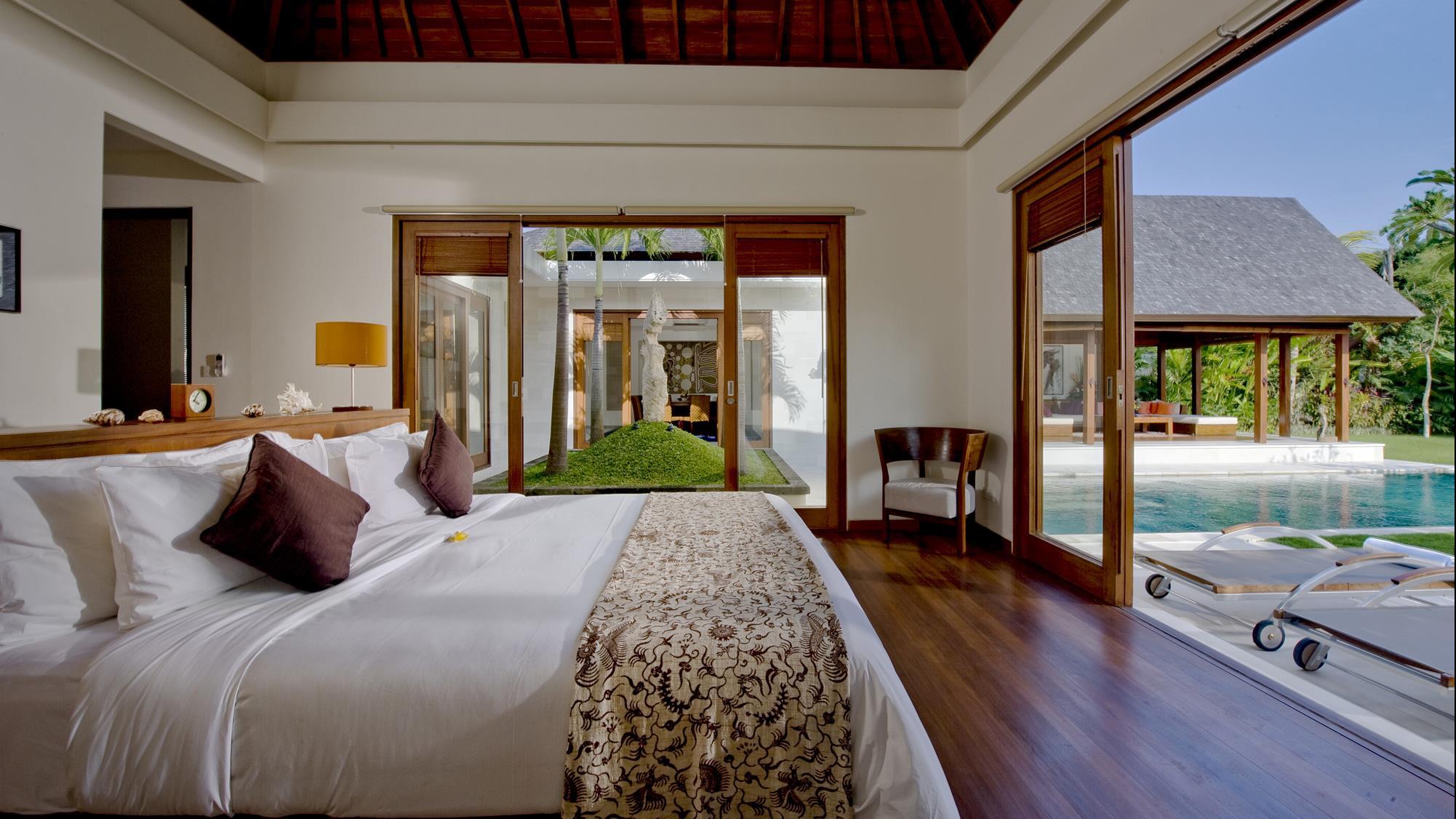 Bedroom with Pool View - Saba Villas Bali - Canggu, Bali