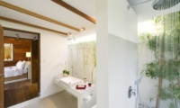 Bedroom and Bathroom - Sahana Villas - Seminyak, Bali