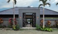 Entrance - Samudra Raya Villa - Kerobokan, Bali