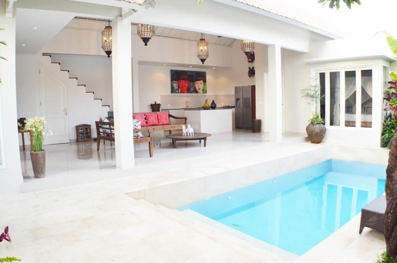 Pool Side - Santai Villa - Batubelig, Bali