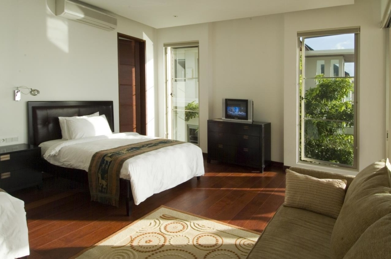Twin Bedroom with TV - Sanur Residence - Sanur, Bali