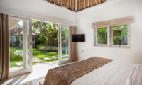 Bedroom with Garden View - Serene Villas Acacia - Seminyak, Bali