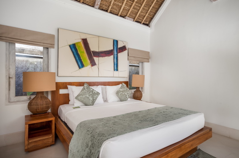 Bedroom with Table Lamps - Serene Villas Acacia - Seminyak, Bali