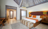 Bedroom with Study Table - Serene Villas Hibiscus - Seminyak, Bali
