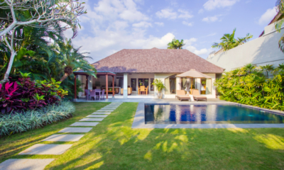 Gardens and Pool - Serene Villas Hibiscus - Seminyak, Bali
