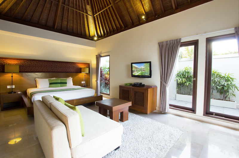 Bedroom with Sofa and TV - Serene Villas Lotus - Seminyak, Bali