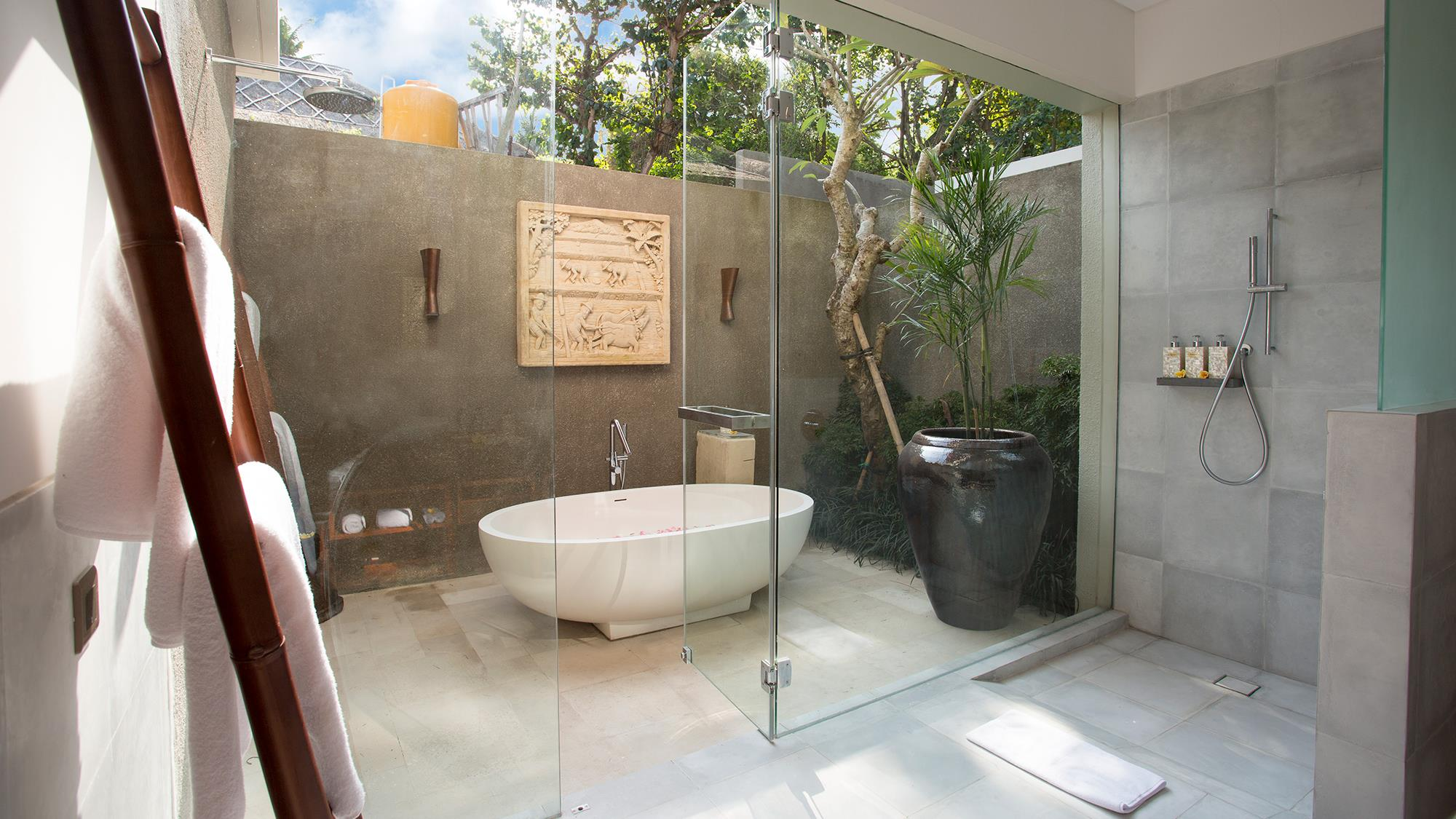 Open Plan Bathtub with Plants - Seseh Beach Villa 1 - Seseh, Bali