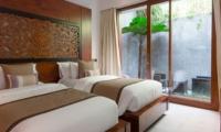 Twin Bedroom - Seseh Beach Villa 1 - Seseh, Bali