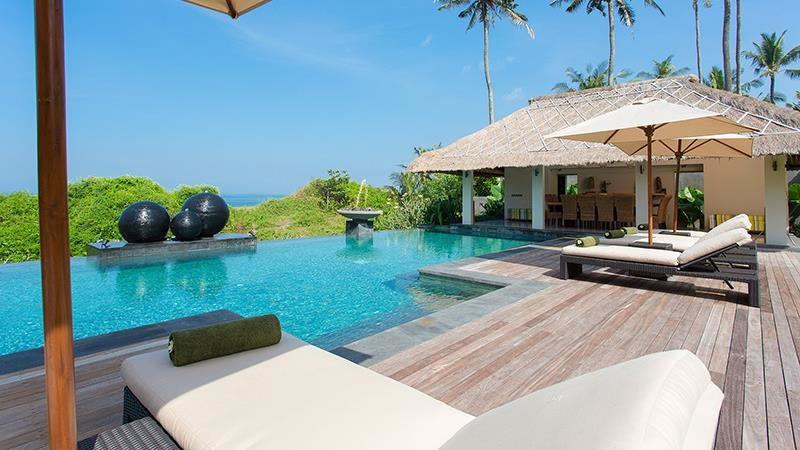 Pool Side Reclining Loungers - Seseh Beach Villa 1 - Seseh, Bali