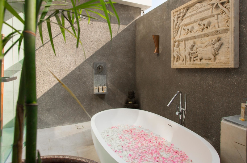 Romantic Bathtub Set Up - Seseh Beach Villa 1 - Seseh, Bali
