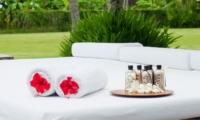 Pool Side Sun Bed - Shalima Cantik - Seseh, Bali