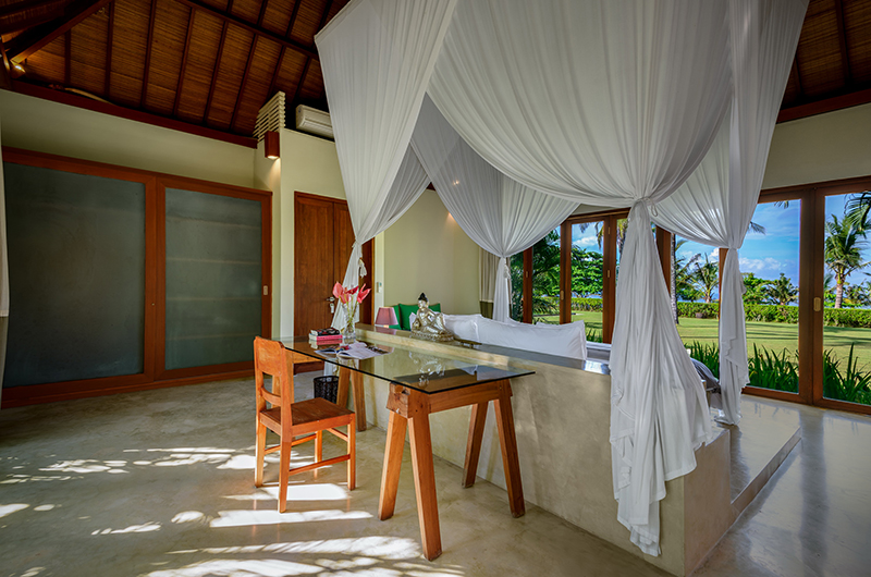 Bedroom with Study Area - Shalimar Makanda - Seseh, Bali