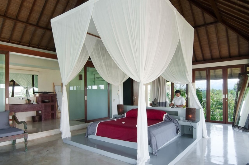 Bedroom and Bathroom - Shalimar Villas - Seseh, Bali