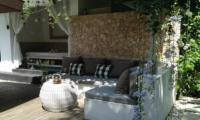 Outdoor Lounge - Shamballa Residence - Ubud, Bali
