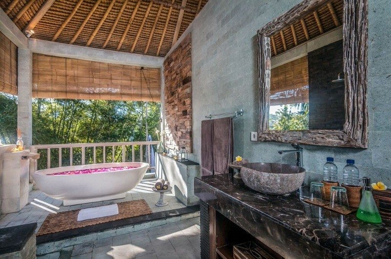 En-Suite Bathroom with Bathtub - Shamballa Residence - Ubud, Bali