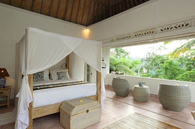 Bedroom with Table Lamp - Shamballa Moon - Ubud, Bali
