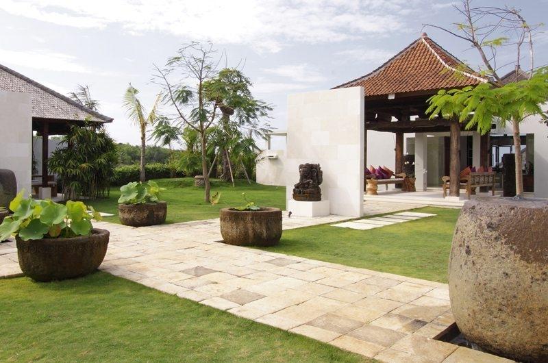 Outdoor Area - Sinaran Surga - Uluwatu, Bali