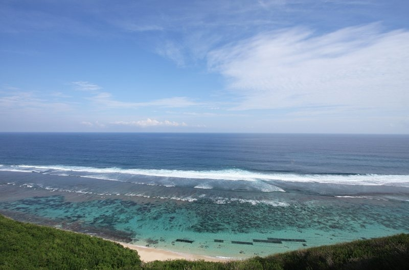 Beachfront View - Sinaran Surga - Uluwatu, Bali