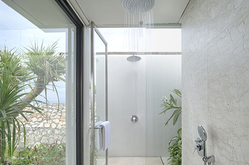 Bathroom with Shower - Sohamsa Ocean Estate Villa Hamsa - Ungasan, Bali