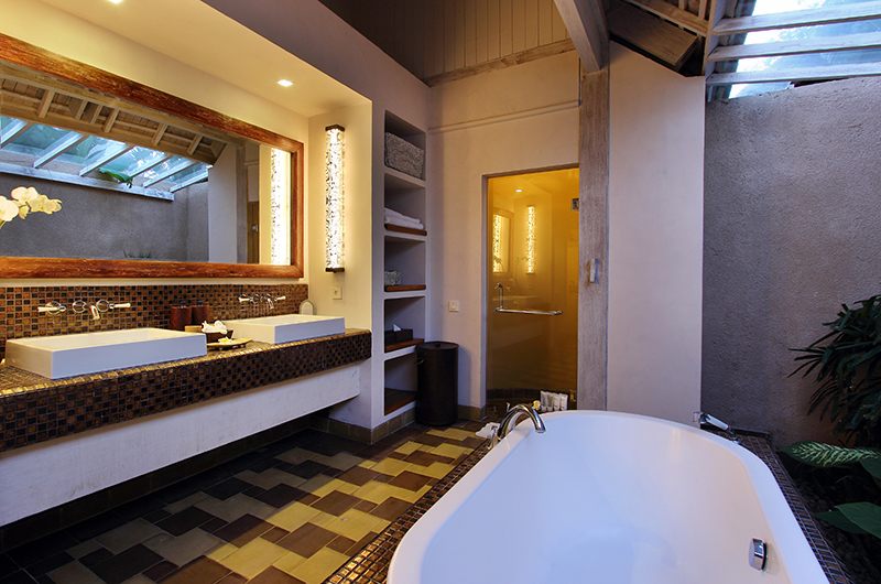 His and Hers Bathroom with Bathtub - Space At Bali - Seminyak, Bali