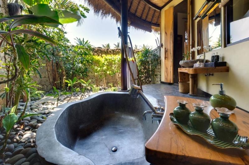 Semi Open Bathtub - Taman Ahimsa - Seseh, Bali