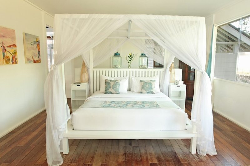 Four Poster Bed - The Beach Shack - Nusa Lembongan, Bali