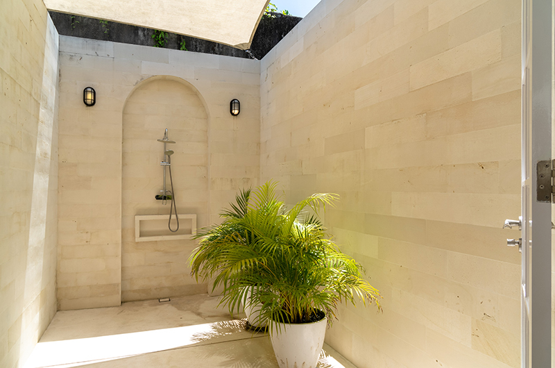 Open Plan Shower - The Cotton House - Seminyak, Bali